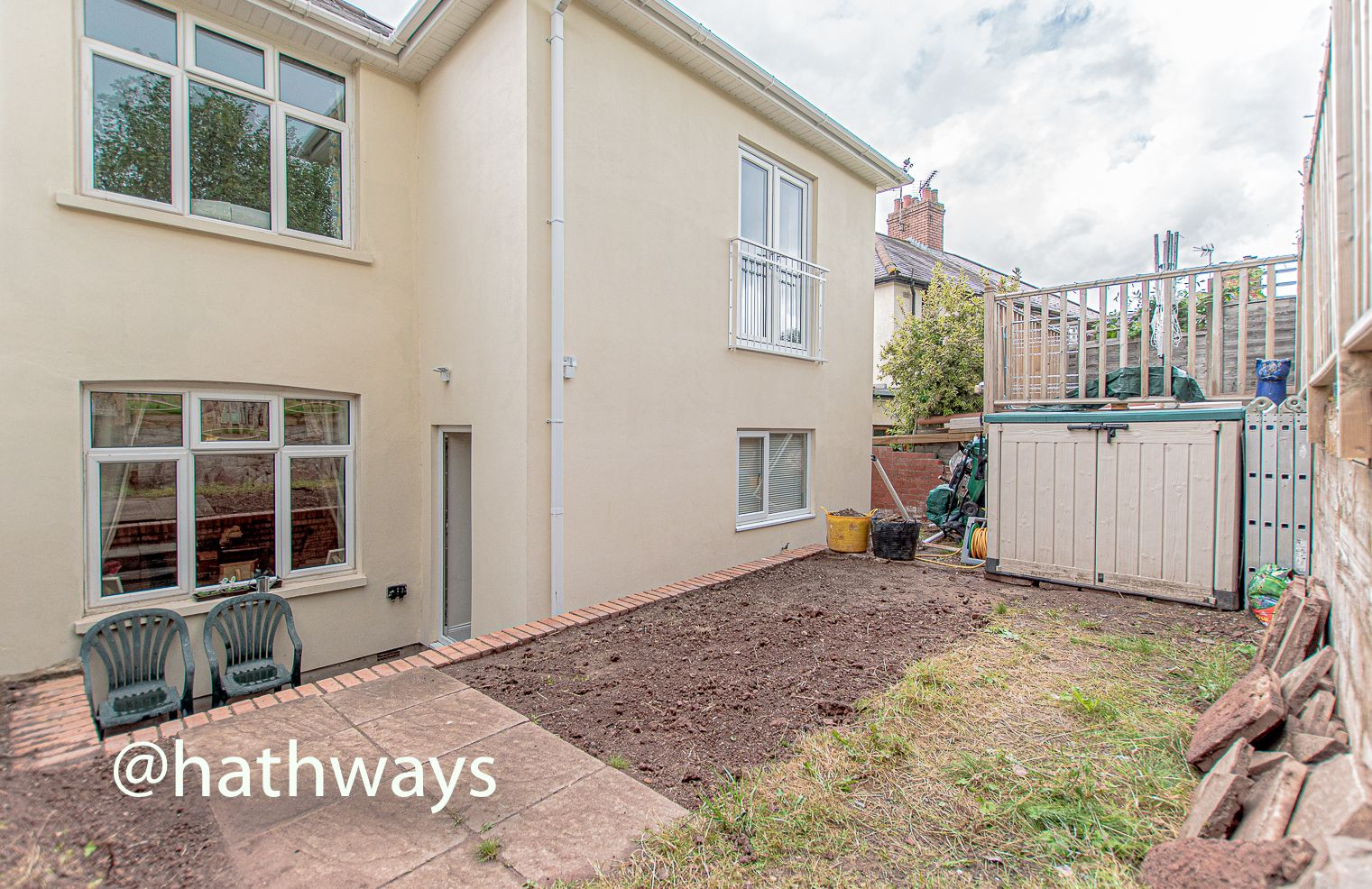 4 bed house for sale in Queens Hill Crescent 48