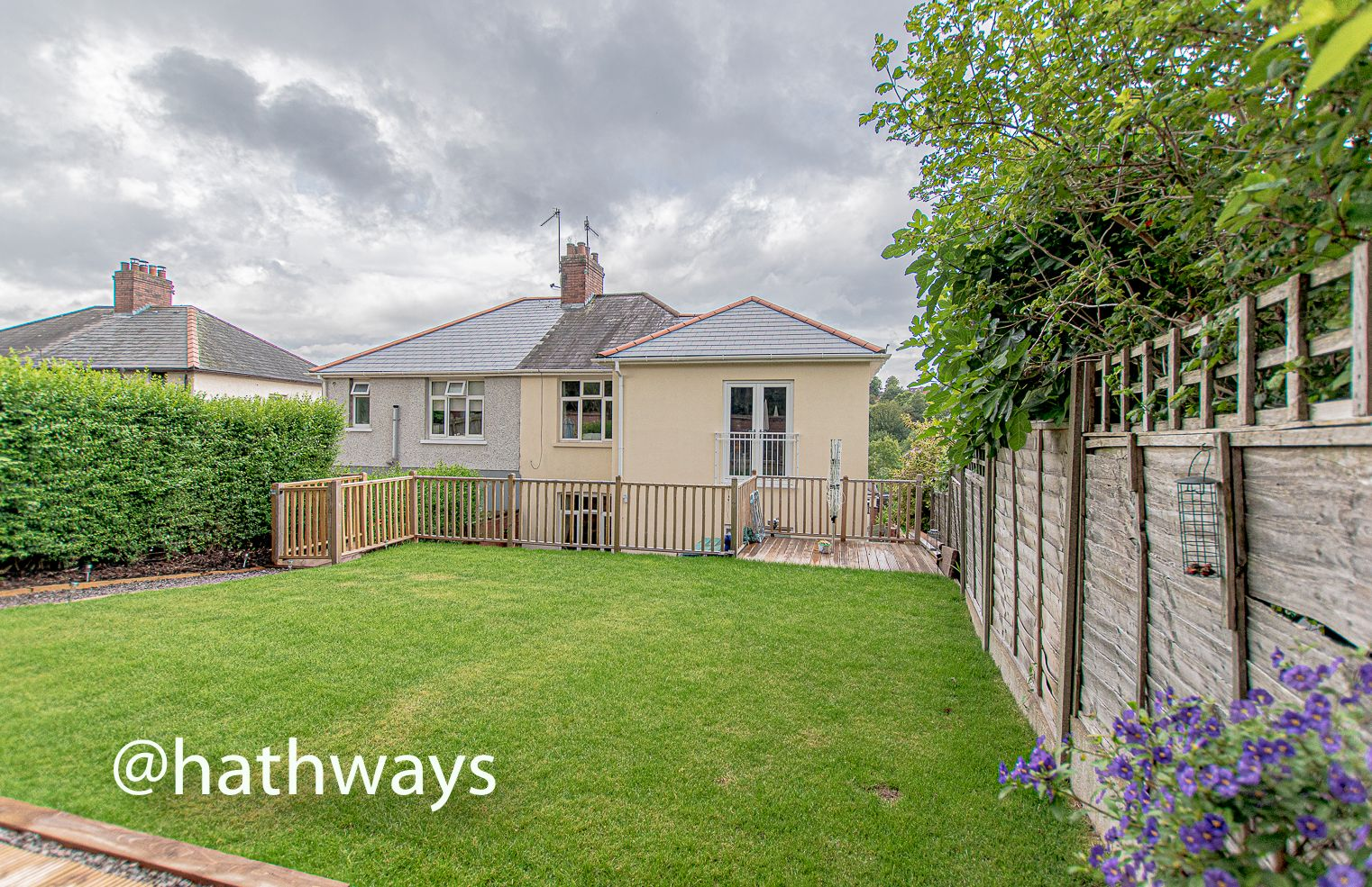 4 bed house for sale in Queens Hill Crescent 49