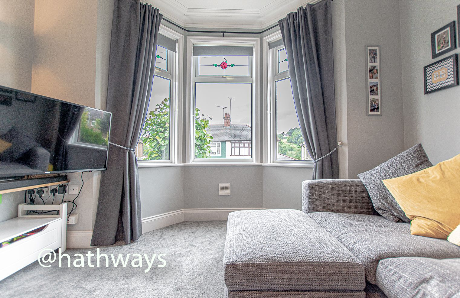 4 bed house for sale in Queens Hill Crescent 7