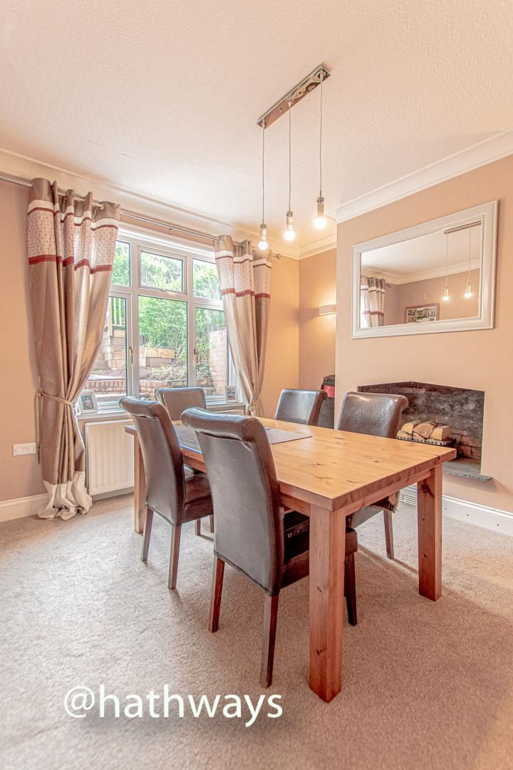 4 bed house for sale in Queens Hill Crescent 9