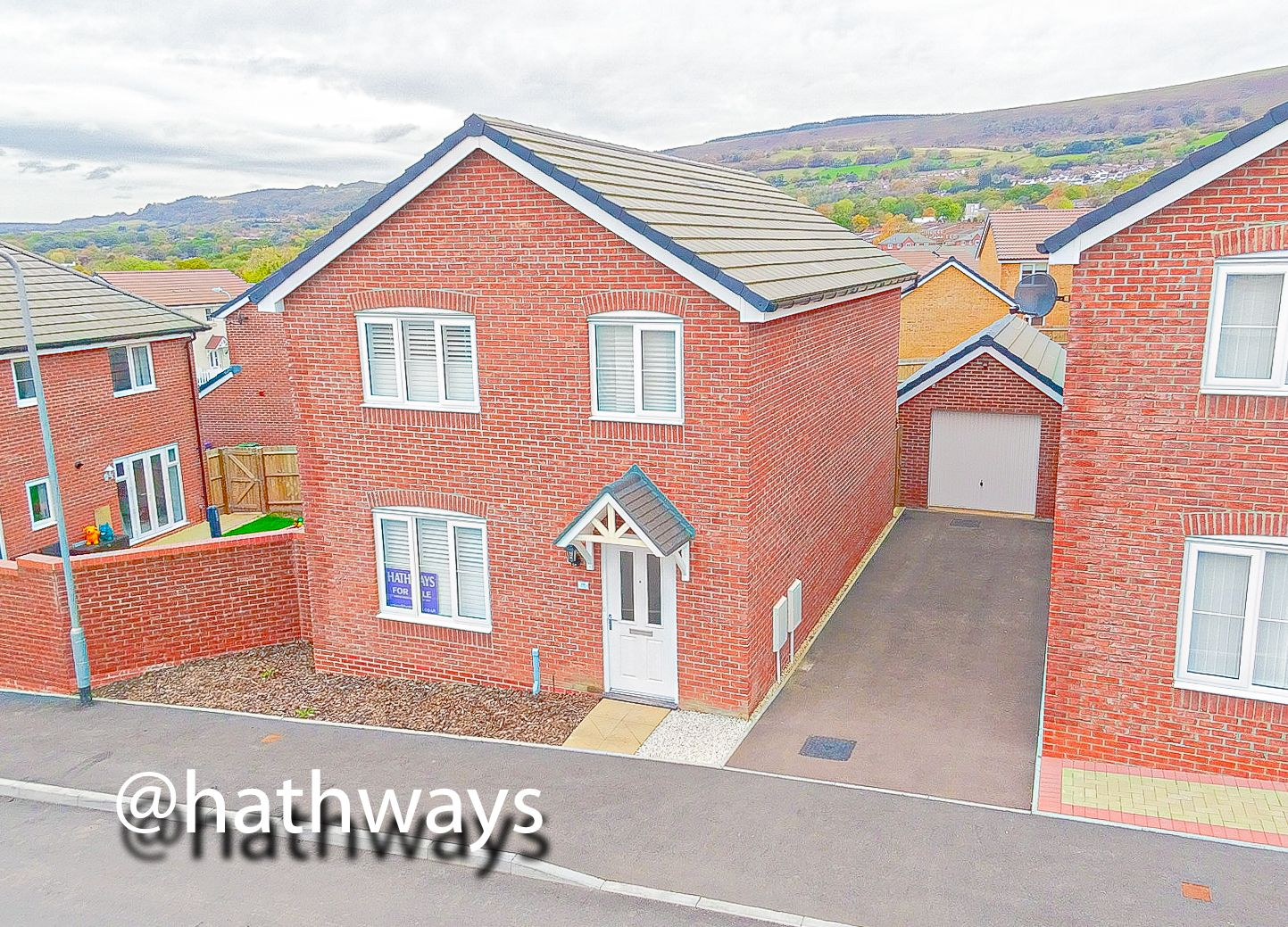 4 bed house for sale in Cwrt Celyn  - Property Image 1