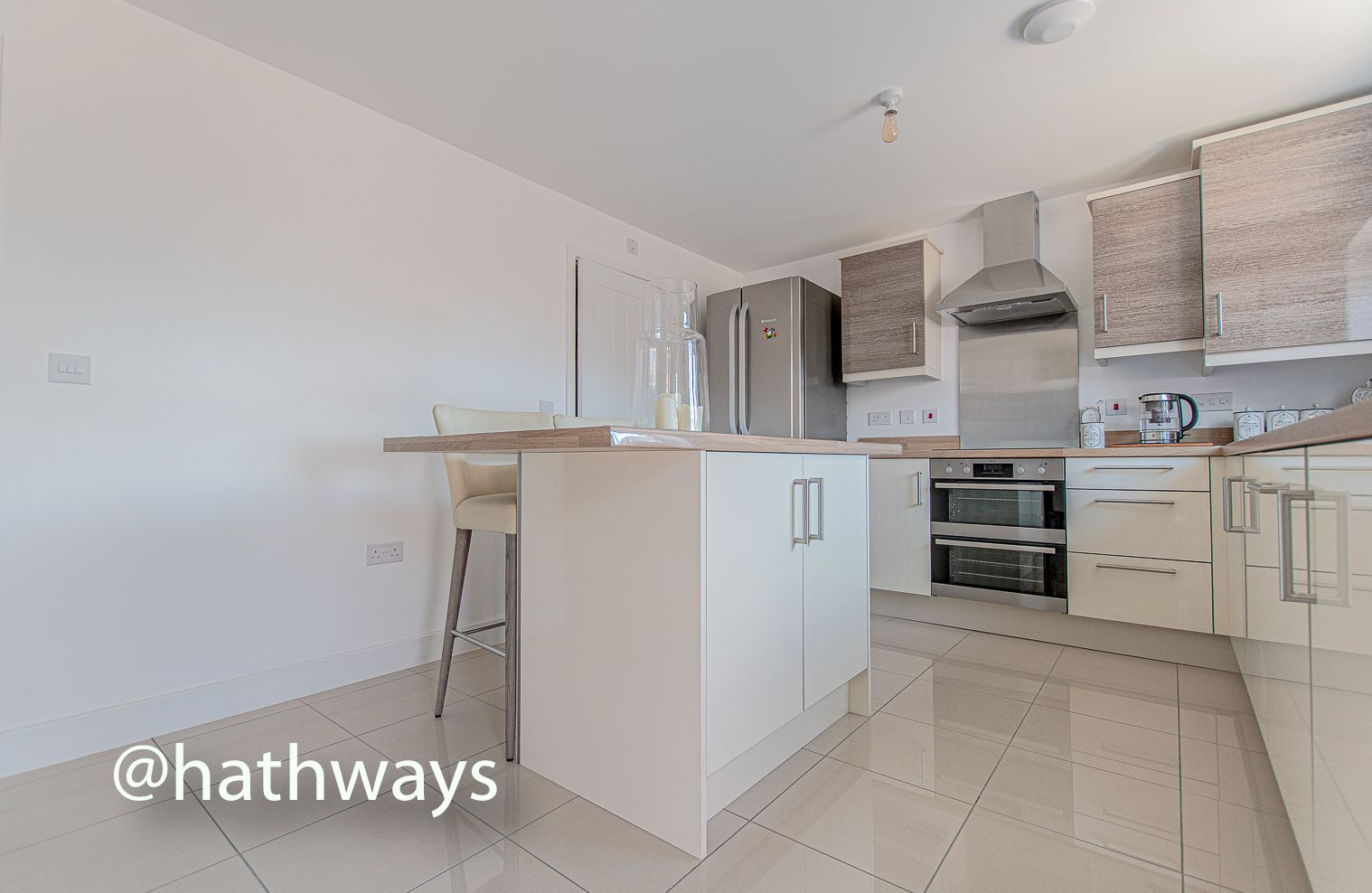 4 bed house for sale in Cwrt Celyn  - Property Image 2