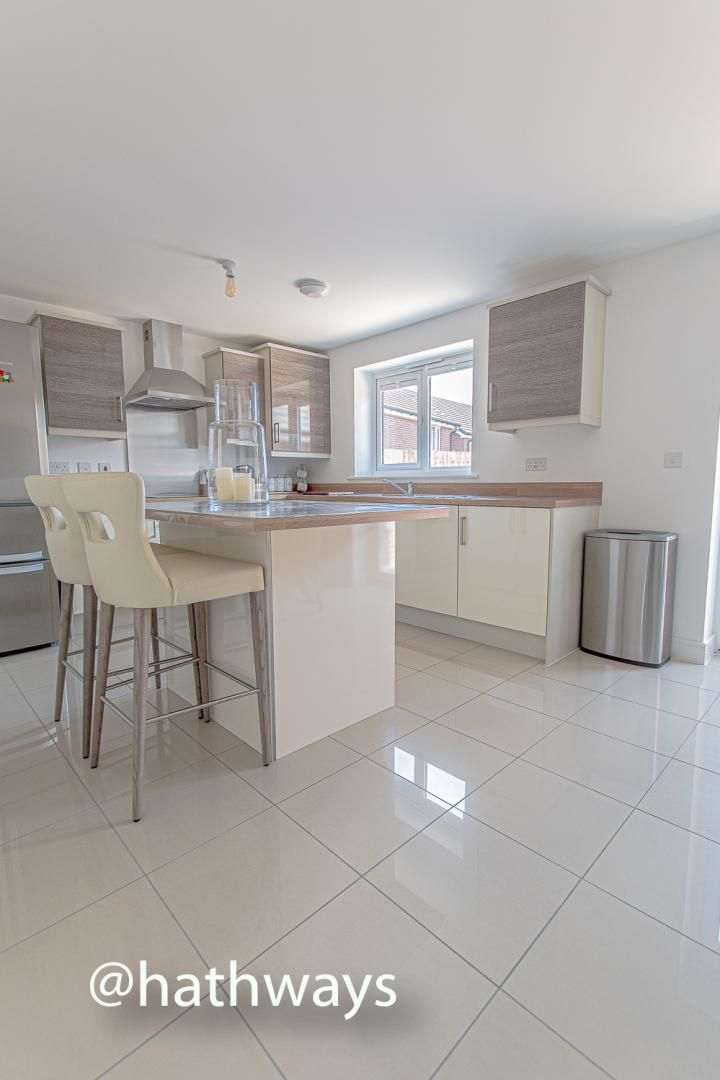 4 bed house for sale in Cwrt Celyn  - Property Image 11