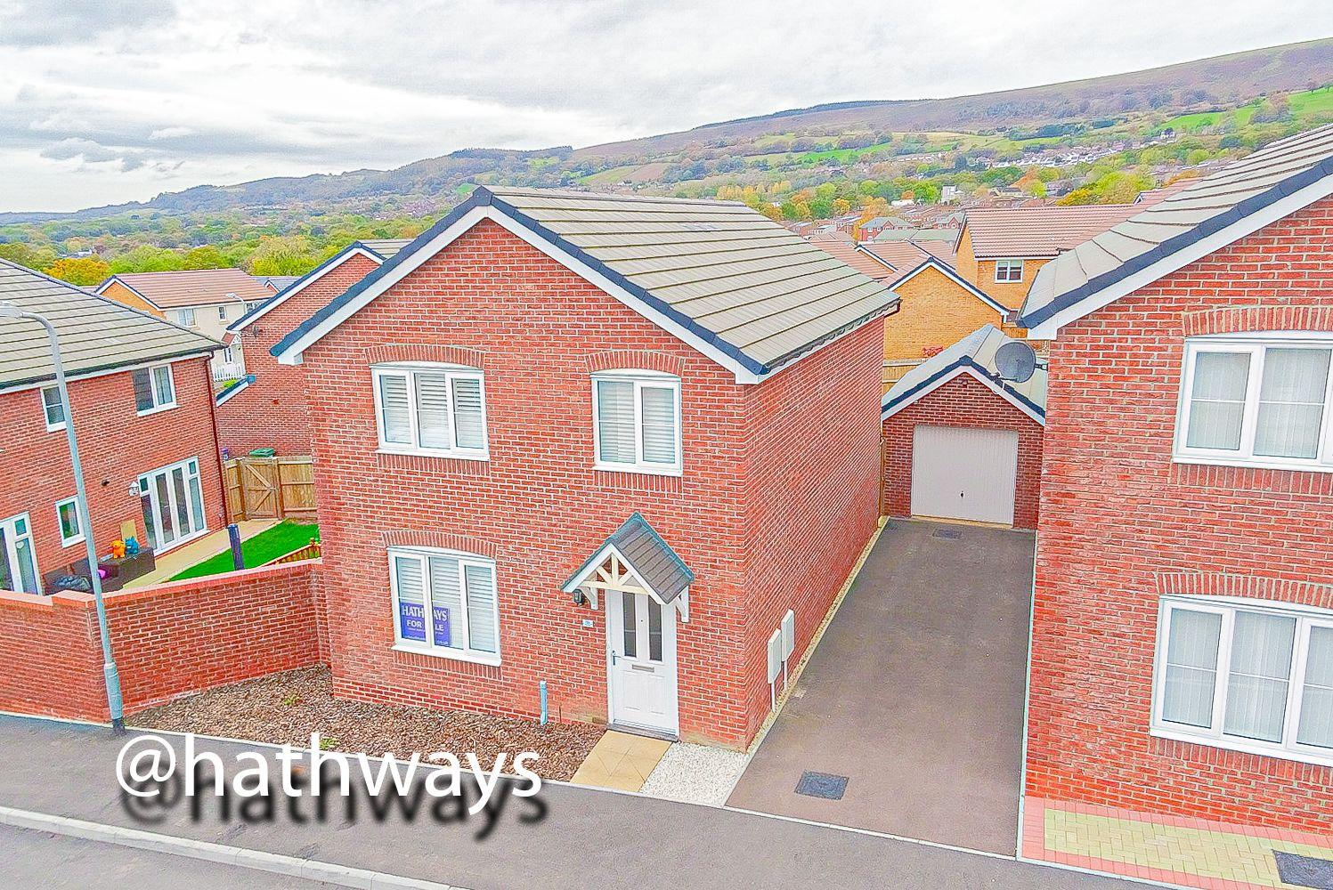 4 bed house for sale in Cwrt Celyn  - Property Image 49