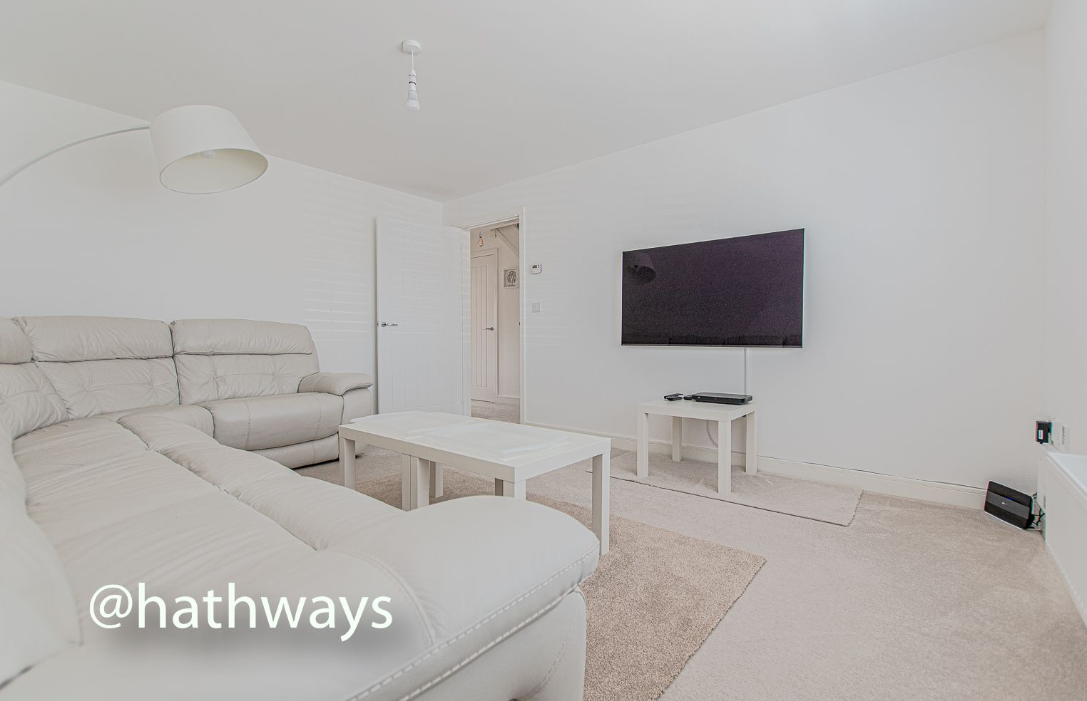 4 bed house for sale in Cwrt Celyn 10