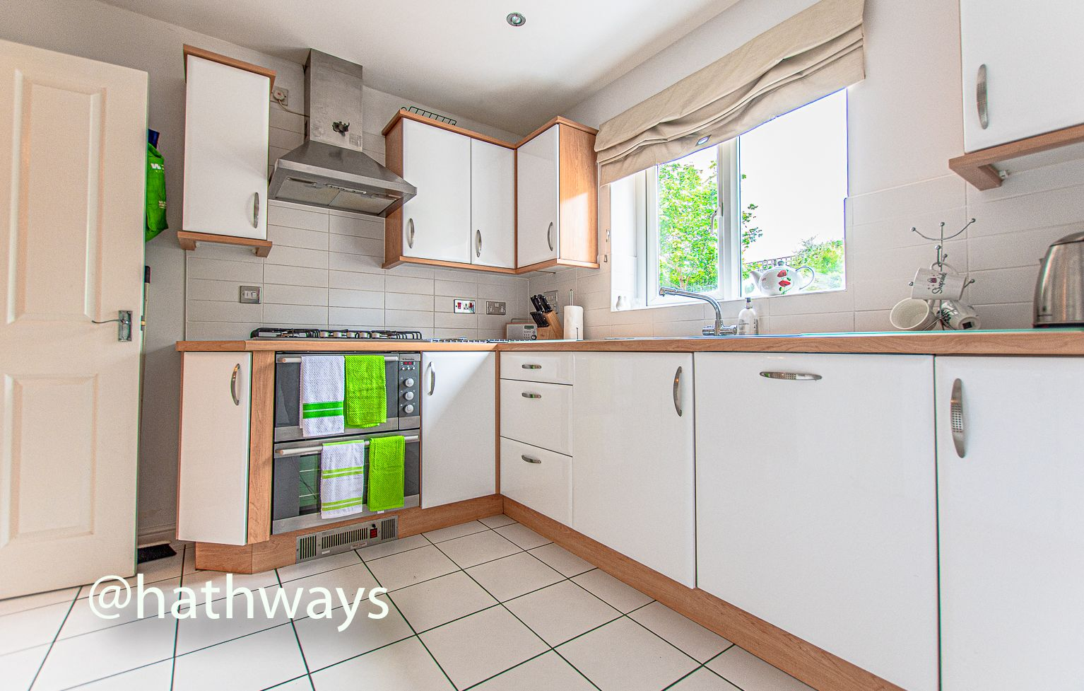 4 bed house for sale in Ladyhill Road 13
