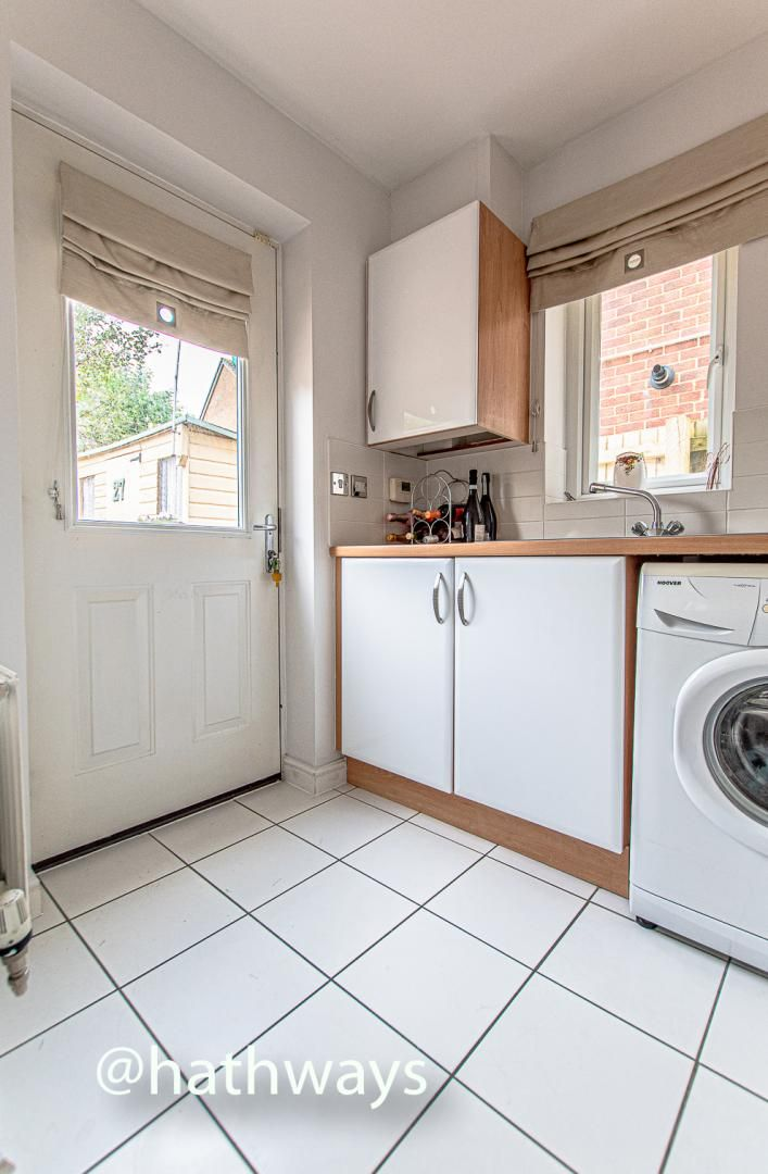 4 bed house for sale in Ladyhill Road 17