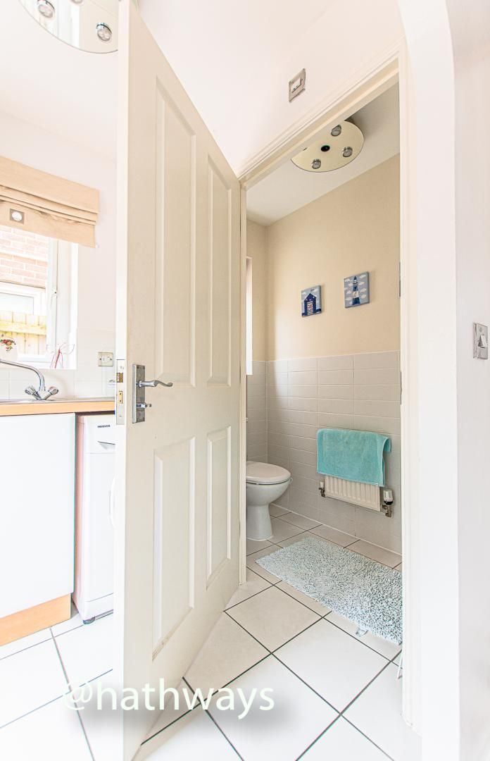4 bed house for sale in Ladyhill Road 19