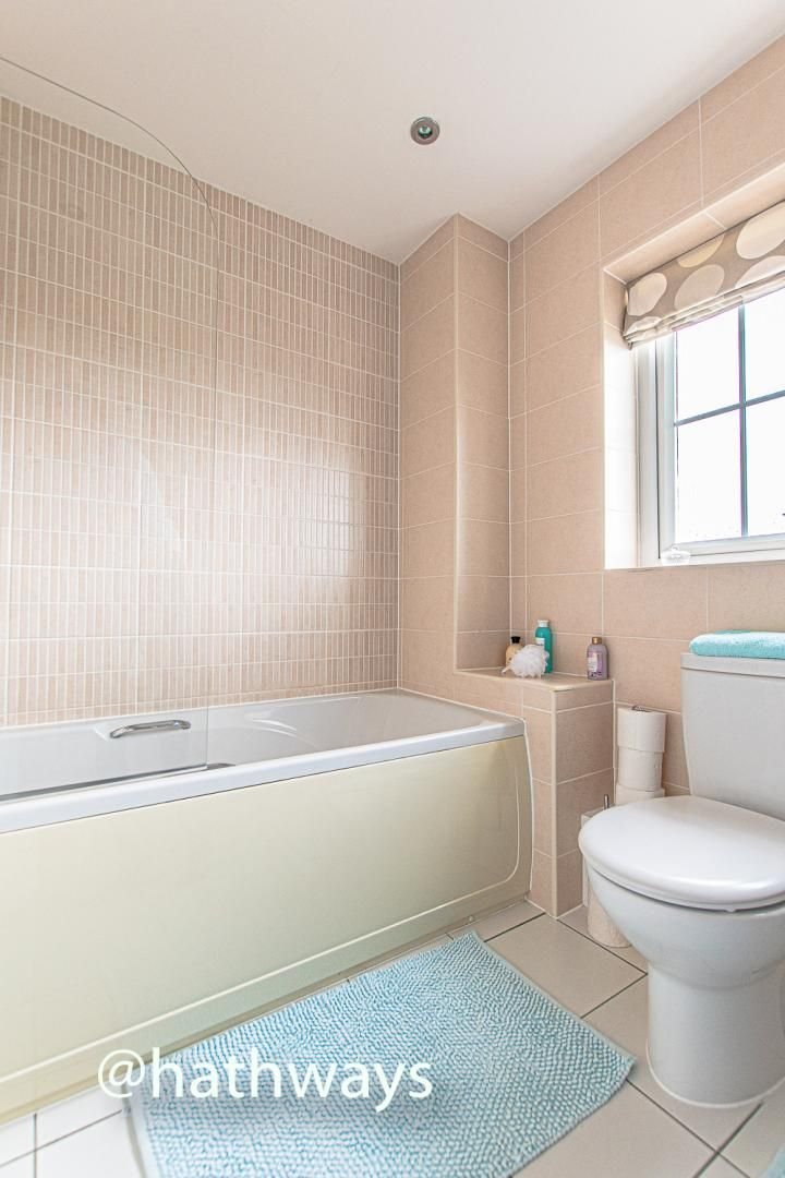 4 bed house for sale in Ladyhill Road 38