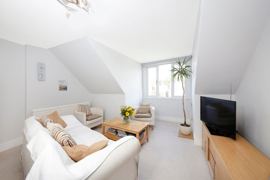 2 bed flat for sale 12