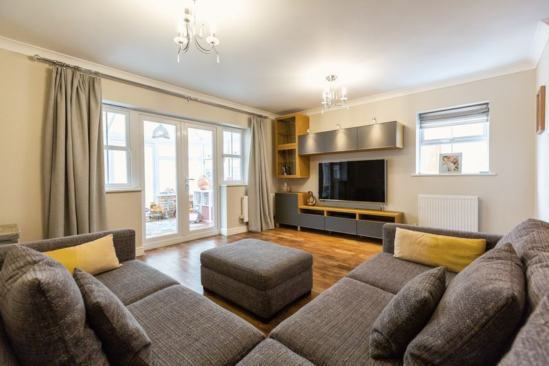 4 bed house for sale in Shackleton Way, PE7