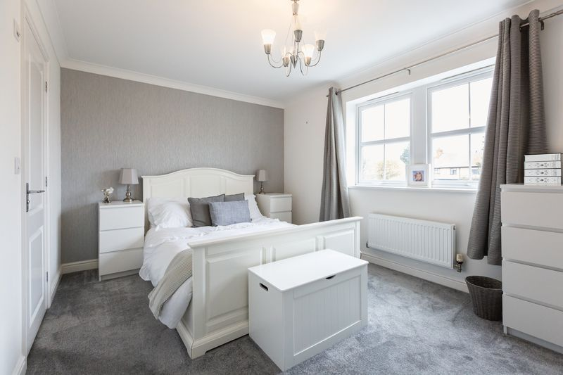 4 bed house for sale in Shackleton Way  - Property Image 13