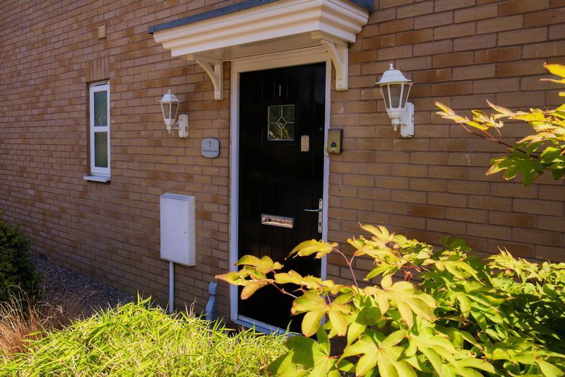 4 bed house for sale in Shackleton Way 4