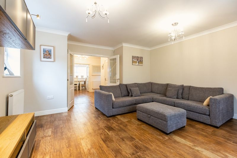 4 bed house for sale in Shackleton Way 7