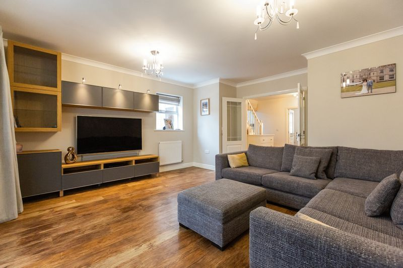 4 bed house for sale in Shackleton Way 8