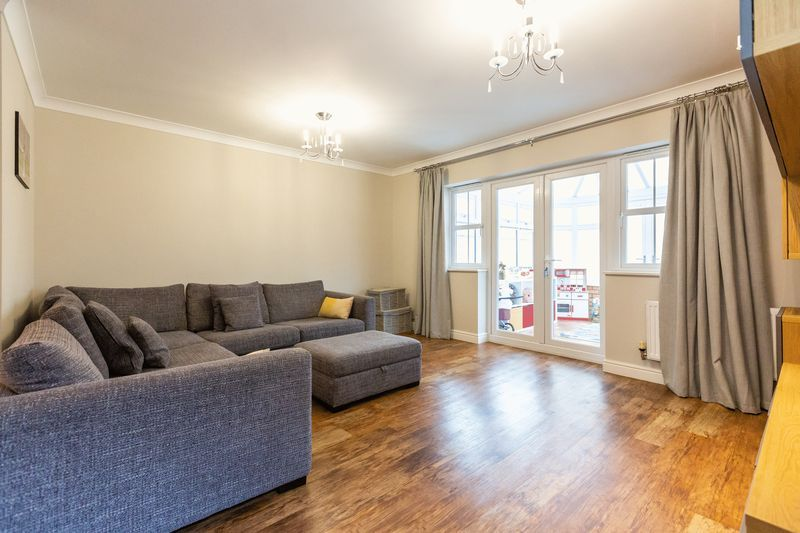 4 bed house for sale in Shackleton Way 9