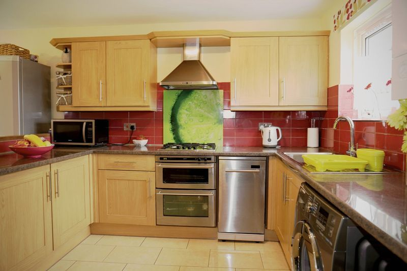 3 bed house to rent in Crabtree  - Property Image 1