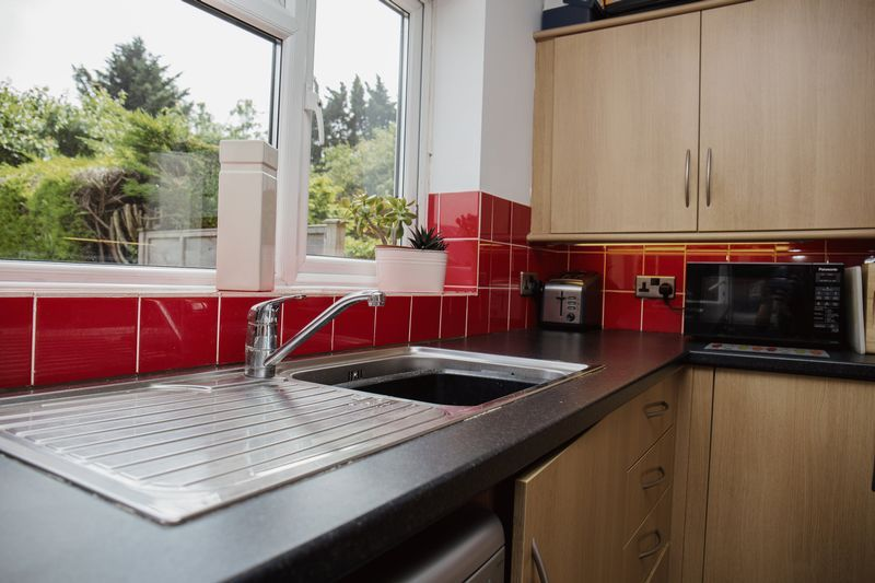 2 bed house for sale in Montagu Road 4