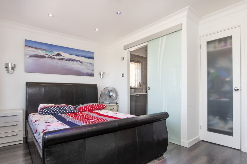 4 bed house for sale in Park Farm Way  - Property Image 16