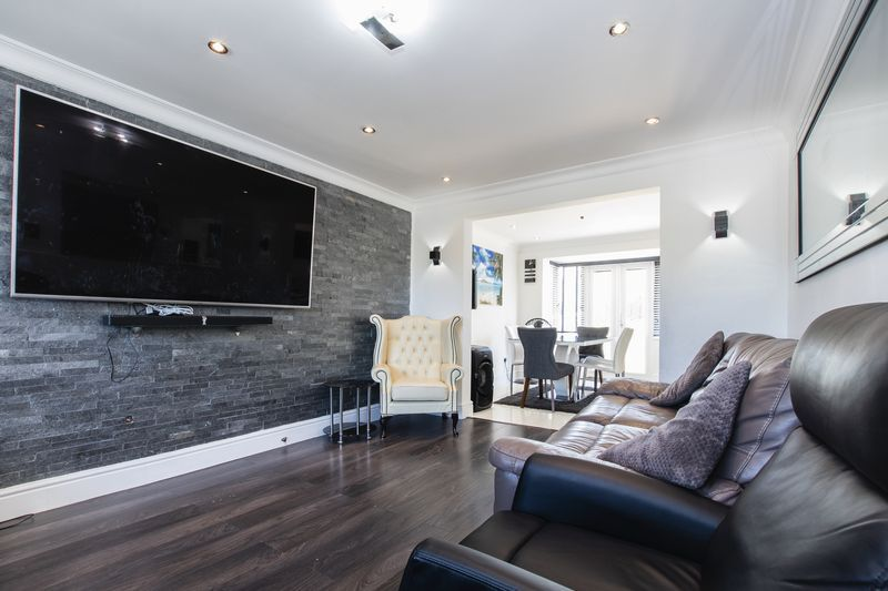 4 bed house for sale in Park Farm Way 7