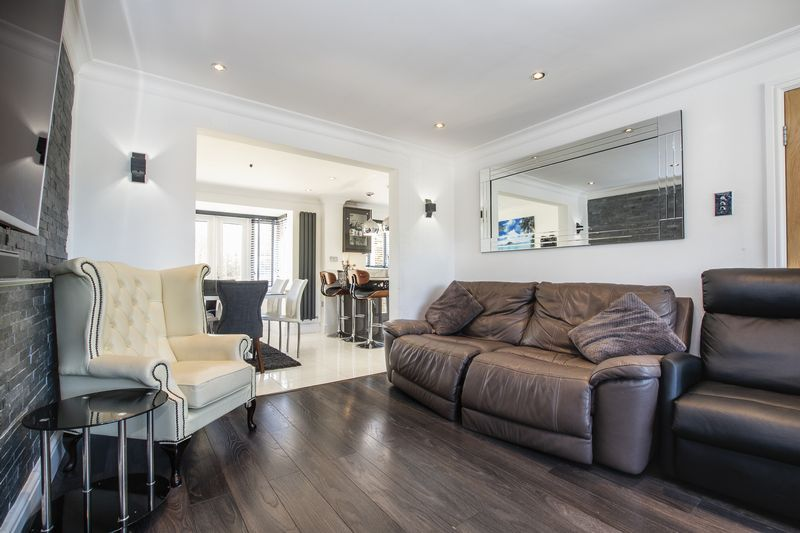 4 bed house for sale in Park Farm Way  - Property Image 8
