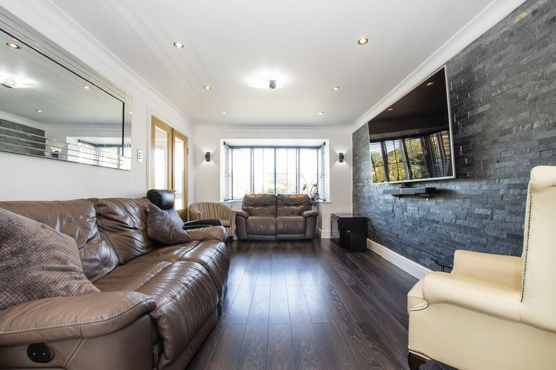 4 bed house for sale in Park Farm Way  - Property Image 9
