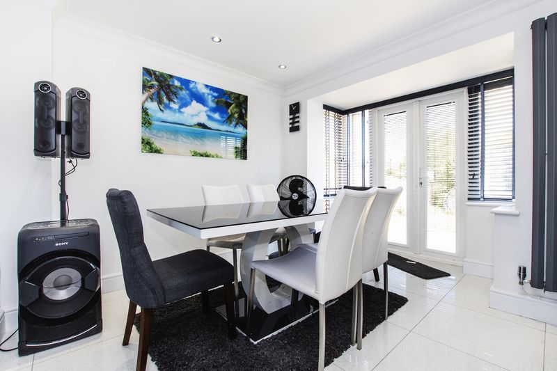 4 bed house for sale in Park Farm Way  - Property Image 10