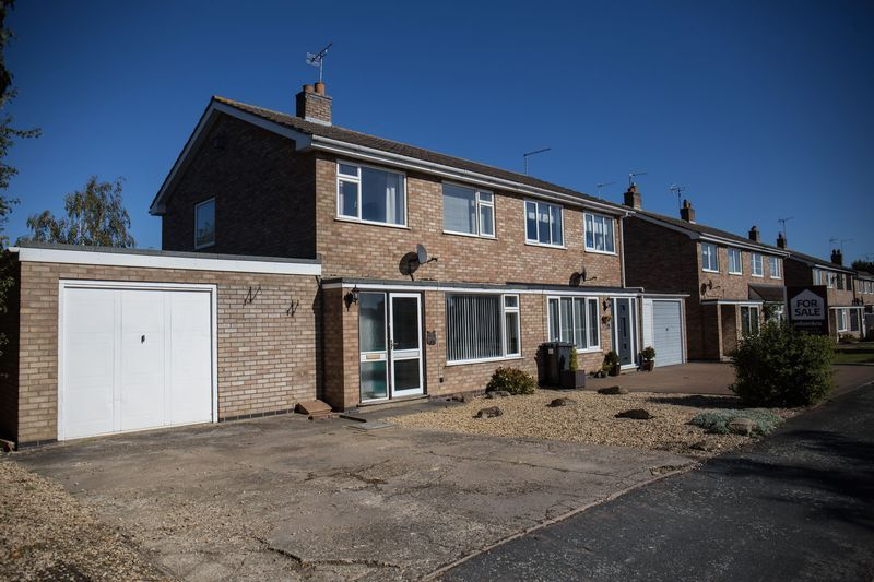 3 bed house for sale in Norman Drive 2