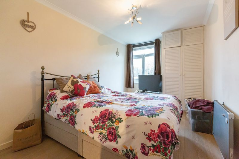 2 bed flat for sale in Stanwick Court  - Property Image 7
