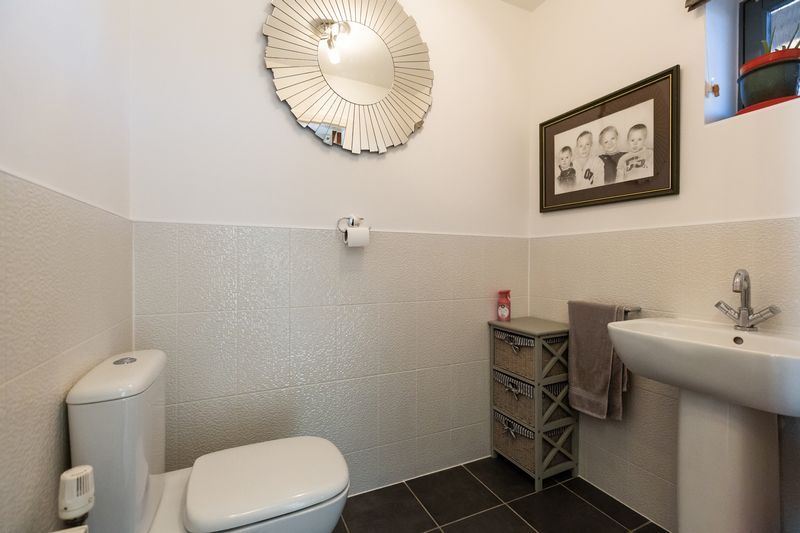 4 bed house for sale in Winsor Crescent  - Property Image 12