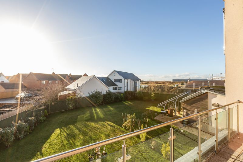 4 bed house for sale in Winsor Crescent 23