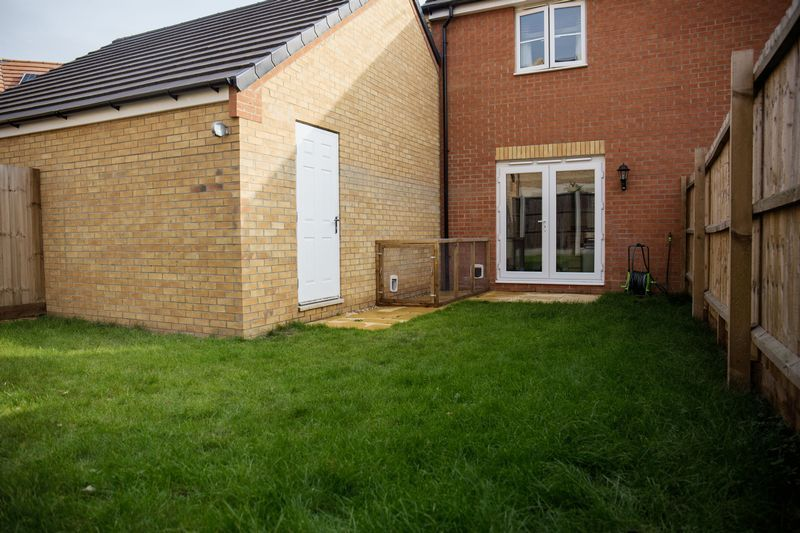 2 bed house to rent in Shipton Grove  - Property Image 14