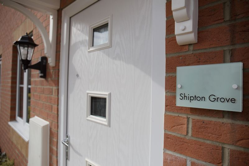 2 bed house to rent in Shipton Grove  - Property Image 3