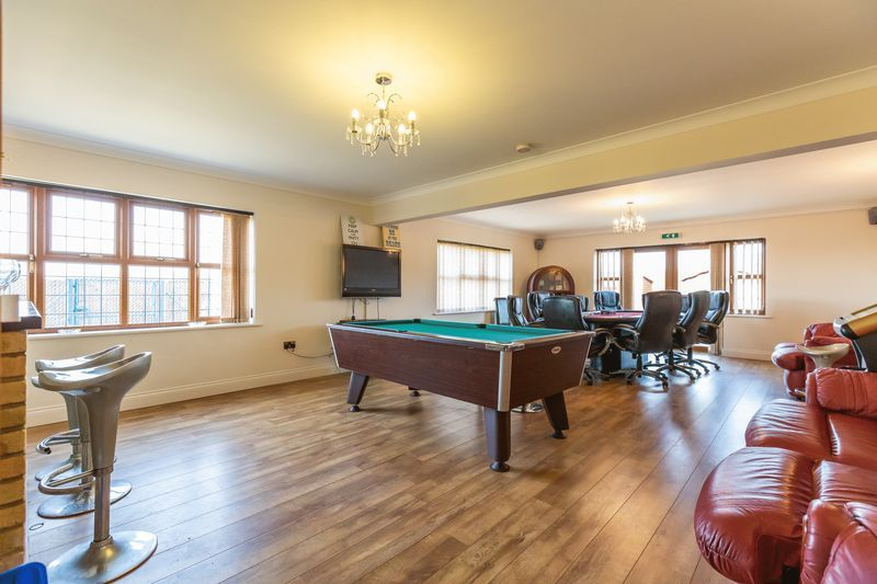 4 bed house for sale in Crowland Road  - Property Image 10