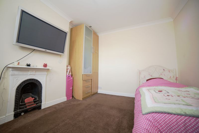 2 bed house for sale in West End 12