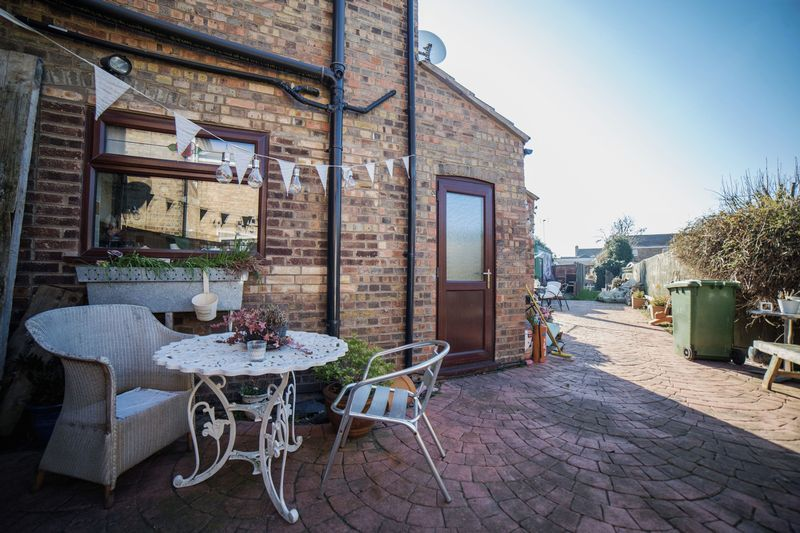 2 bed house for sale in West End 14