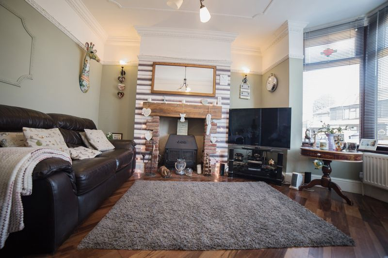 2 bed house for sale in West End 5