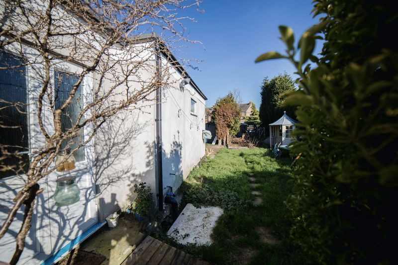 2 bed house for sale in West End 8