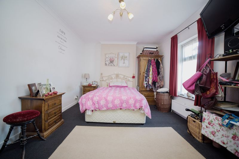2 bed house for sale in West End 10