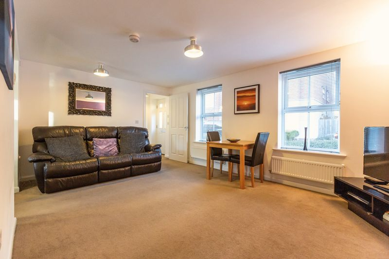 2 bed flat to rent in Verde Close  - Property Image 4