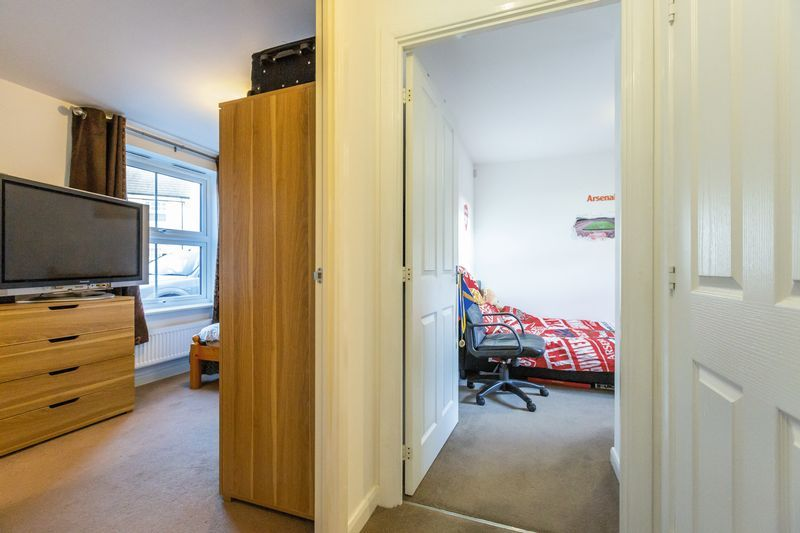 2 bed flat to rent in Verde Close  - Property Image 7