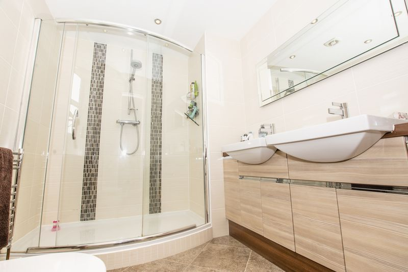 7 bed house for sale in Shackleton Way  - Property Image 13