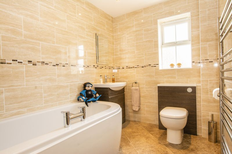 7 bed house for sale in Shackleton Way  - Property Image 14