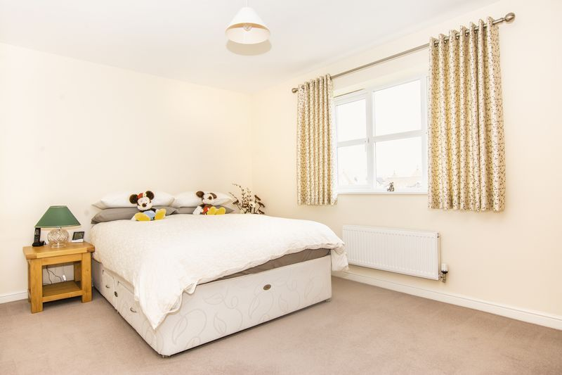 7 bed house for sale in Shackleton Way  - Property Image 15