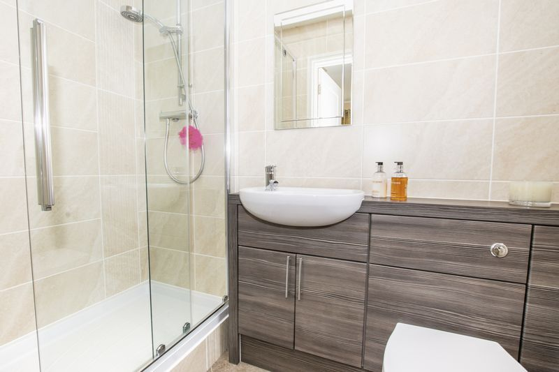 7 bed house for sale in Shackleton Way  - Property Image 16