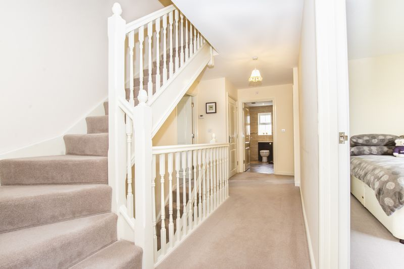 7 bed house for sale in Shackleton Way 19