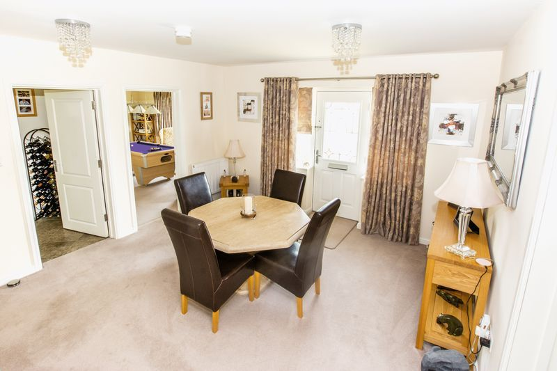 7 bed house for sale in Shackleton Way  - Property Image 7