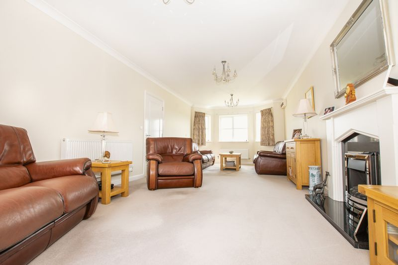 7 bed house for sale in Shackleton Way  - Property Image 10