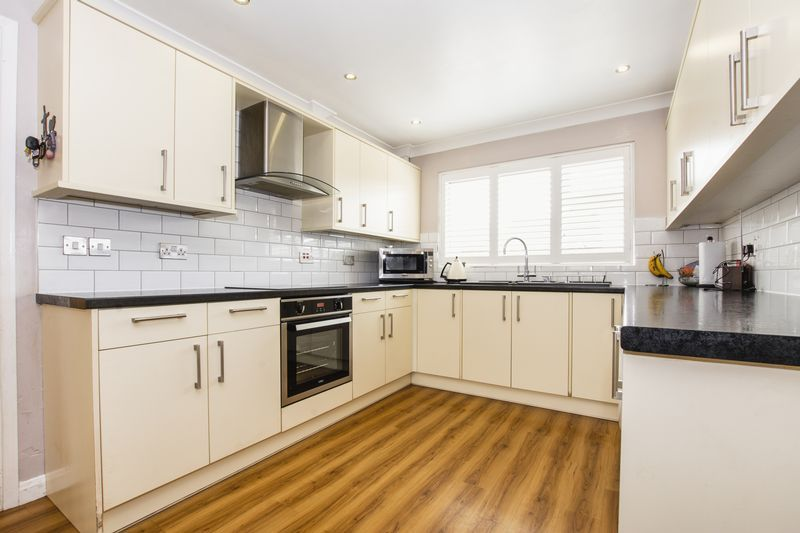 4 bed house for sale in Beauvoir Place, PE7