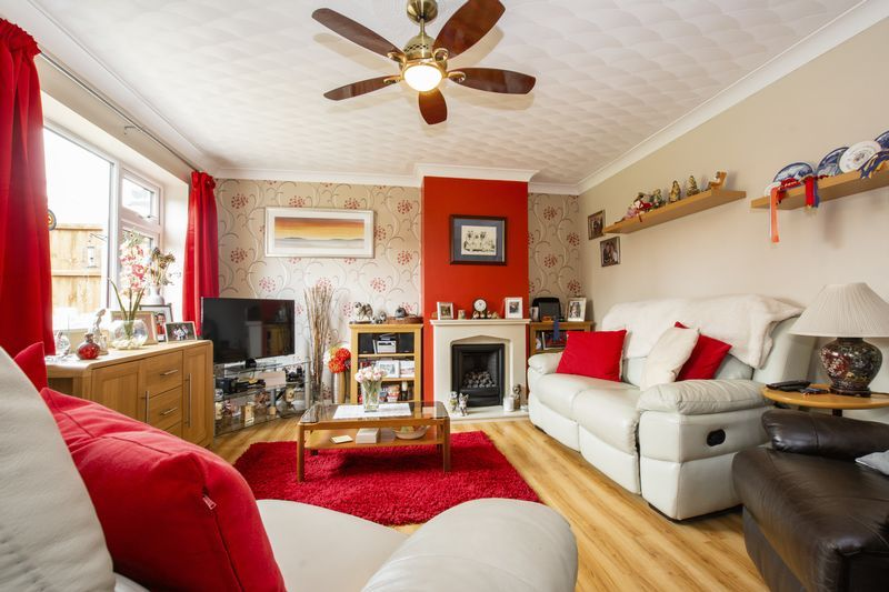 4 bed house for sale in Beauvoir Place 6